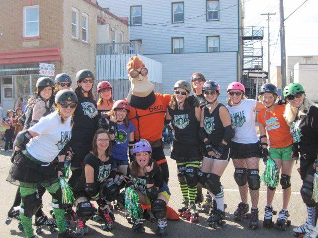 DECO-Man woo-ing the roller derby girls!