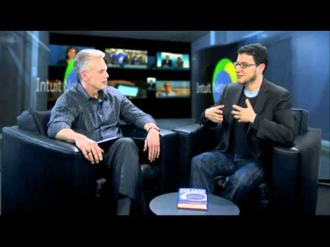 How To Lead With Questions Intuit Ceo Brad Smith Says Leading Is All About Knowing What To Ask Careers Job Advice This Or That Questions Career Development
