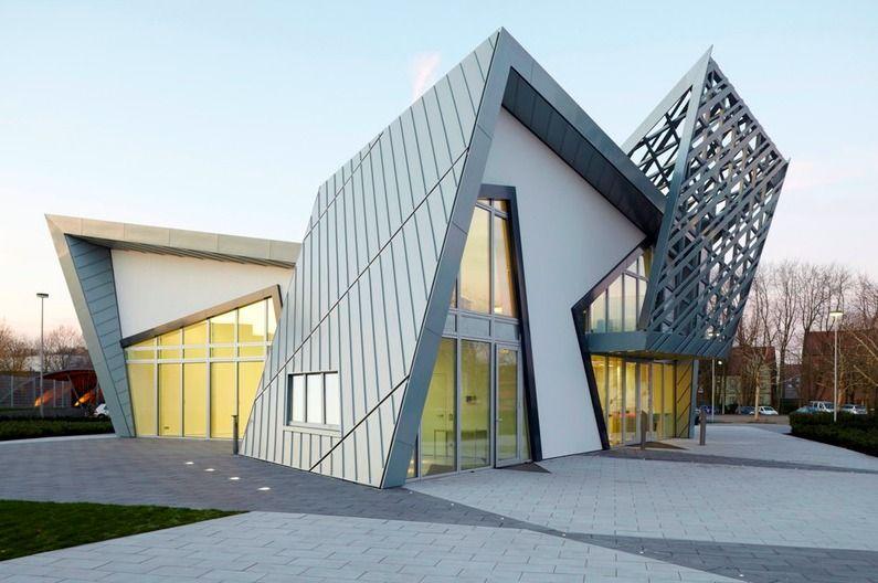 Pin By Jonathan Standing On Deconstructivist Architecture - Aviators villa urban office architecture
