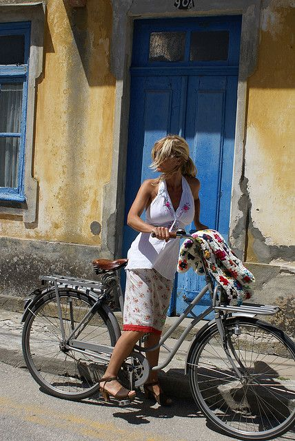 blue door bike