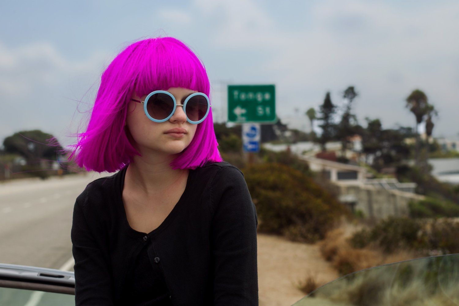 Joey King Joey king, Shave her head, Pink wig