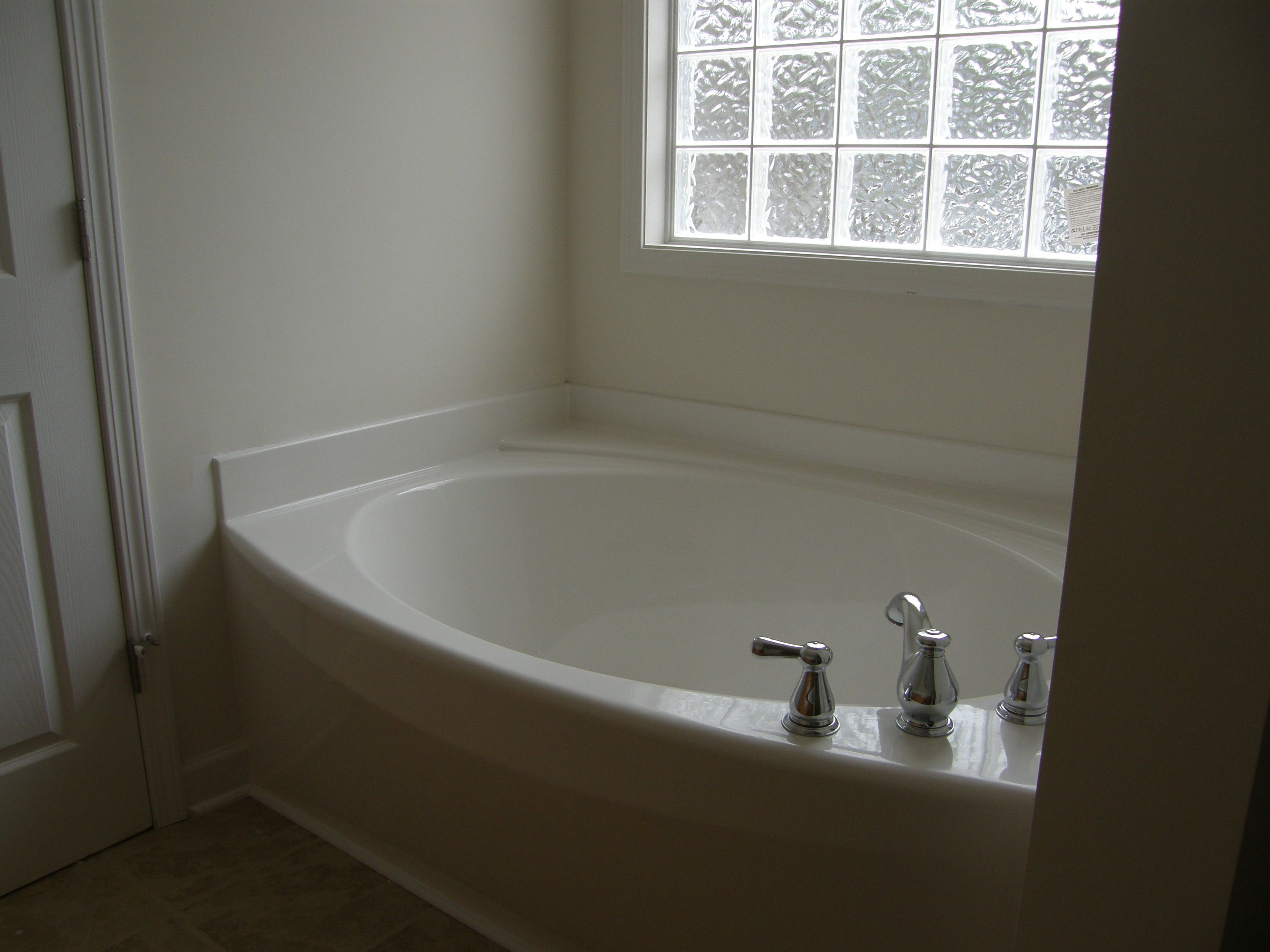 Garden Soaking Tub | Garden Tub Installation | BATH1IDEAS ...