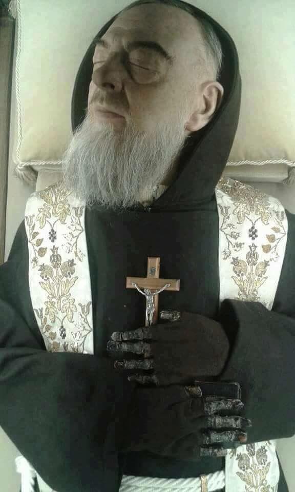 Santo Padre Pio De San Pietrelcina Bendice A Venezuela Mis