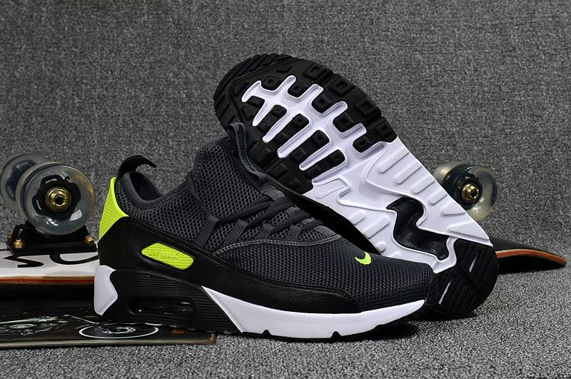 556e6c4cfab Nike Air Max 90 EZ