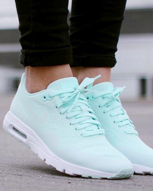 4bfa599f59df nike mint shoes