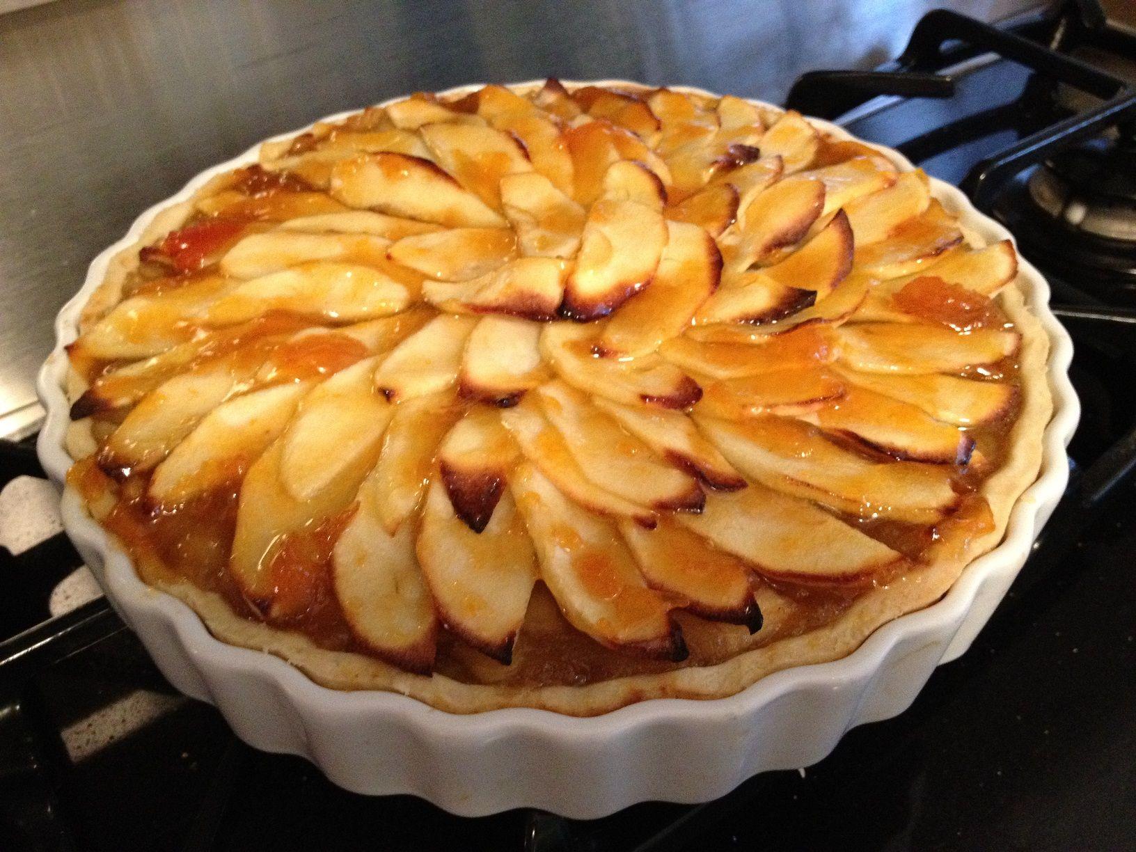 #Tarte aux #pommes - http://www.recettes-delices.com/recipe/tarte-aux-pommes/