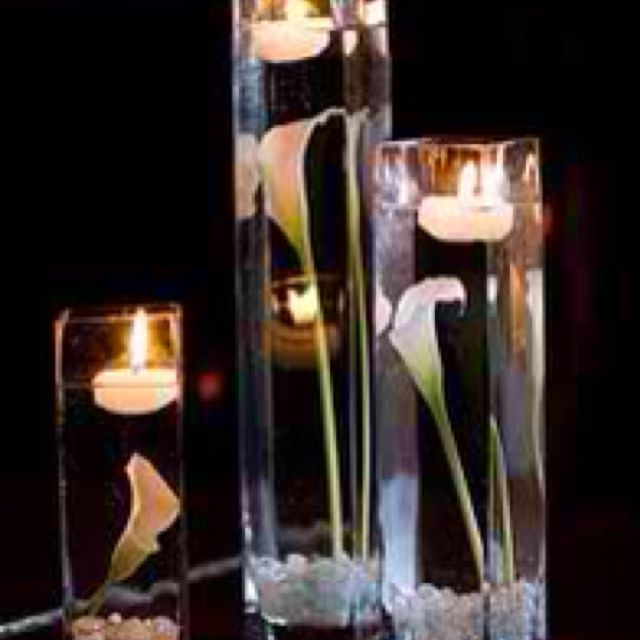 Floating Lily Centerpiece Ideas: Calla Lilies Submerged In Cylider Vases For Centerpieces
