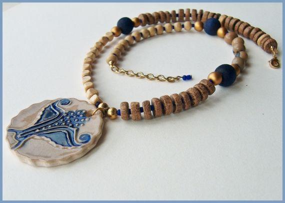 Collar madera y ceramica azul MAJOYOAL - Mari Carmen Rodriguez Martinez - no site Artesanio