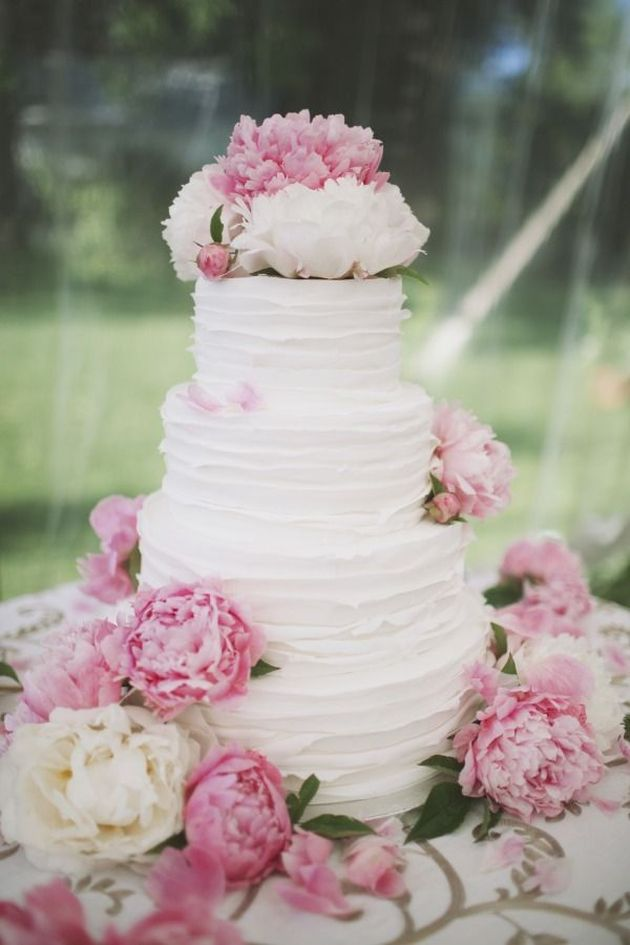 Textured Wedding Cakes | Ivory and Rose Cake Company | Bridal Musings Wedding Blog 4
