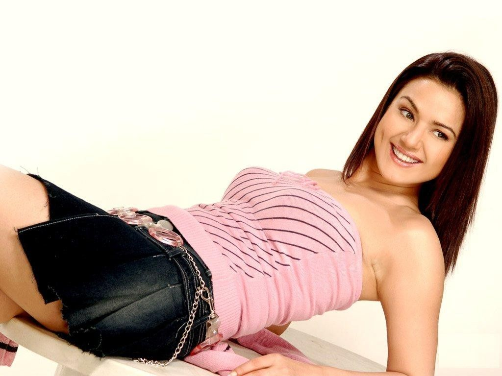 Hot bollywood heroines actresses HQ wallpapers i indian models, girls images photos