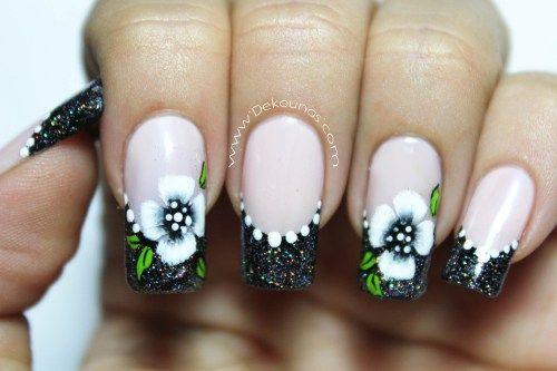Decoración de uñas flores pinceladas basicas