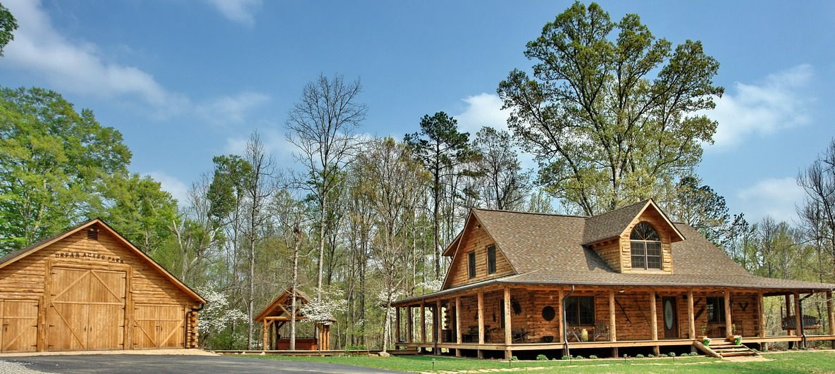 Want A House With A Porch That Goes All The Way Around Country House Plans Porch House Plans Rustic House Plans
