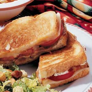 Lasagna Sandwiches - Not my idea of Lasagna, but this looks good!