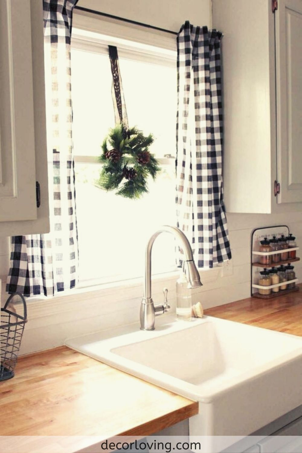 21 Favourite Kitchen Curtains Ideas For Farmhouse Kitchen In 2020 Farmhouse Kitchen Curtains Farmhouse Style Kitchen Farmhouse Kitchen Design
