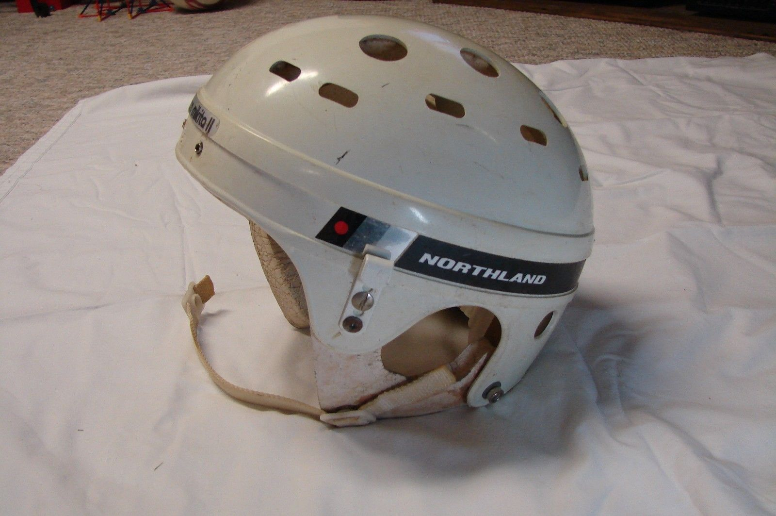 Still Got This One Somewhere In The Attic With The Typical Bended Nose Cage On It The Northland Stan Mikita Hockey Helm Hockey Helmet Hockey Helmets Hockey