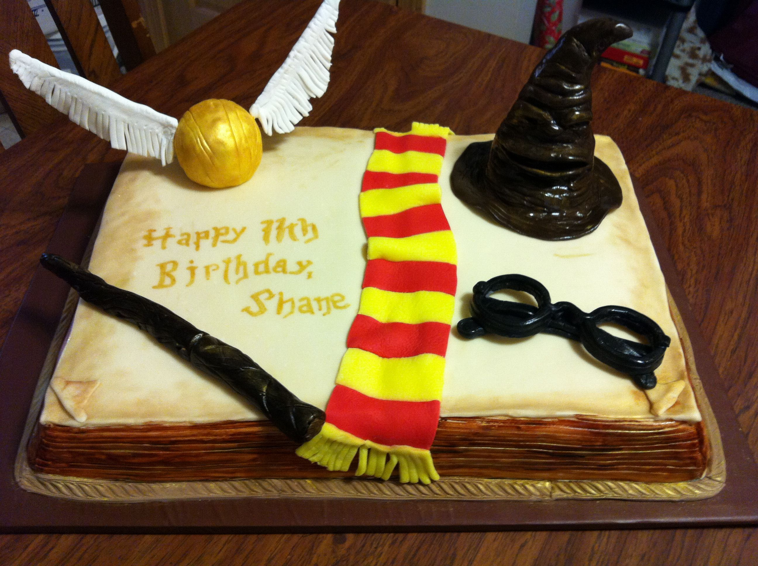 Harry Potter themed cake Half sheet cake with fondant accents