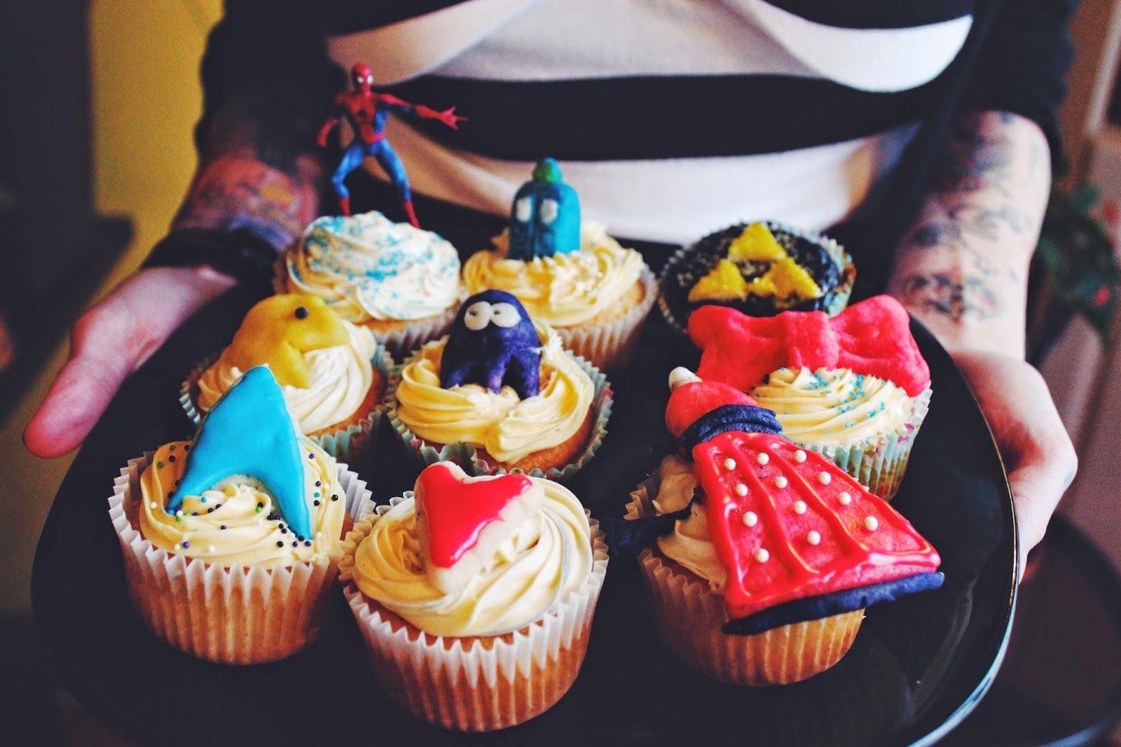 Happy Birthday Vanessa (three days later): #DIY #Geeky #Cupcakes