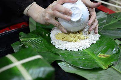Chung cake (Banh chung) - Vietnamese traditional food | About Vietnam  #banhchung #food #banh-chung #vietnam #chung-cake