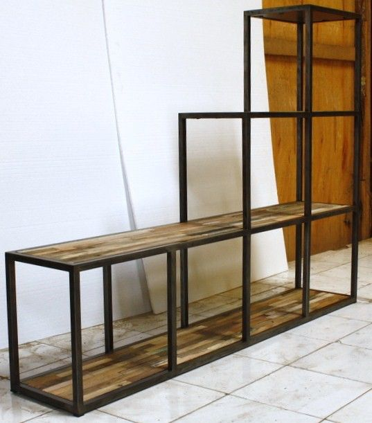 etag re escalier plateau en v ritable bois de bateau. Black Bedroom Furniture Sets. Home Design Ideas