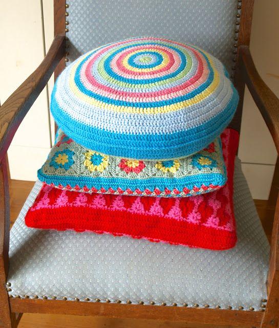 Stins: Pretty colured crochet cushions | crochet | Pinterest ...