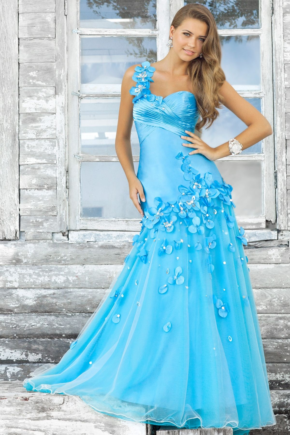 Stunning Pageant gown! This dramatic one-shoulder is spectacular ...