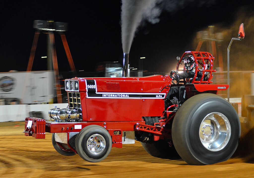 how to make a pulling tractor