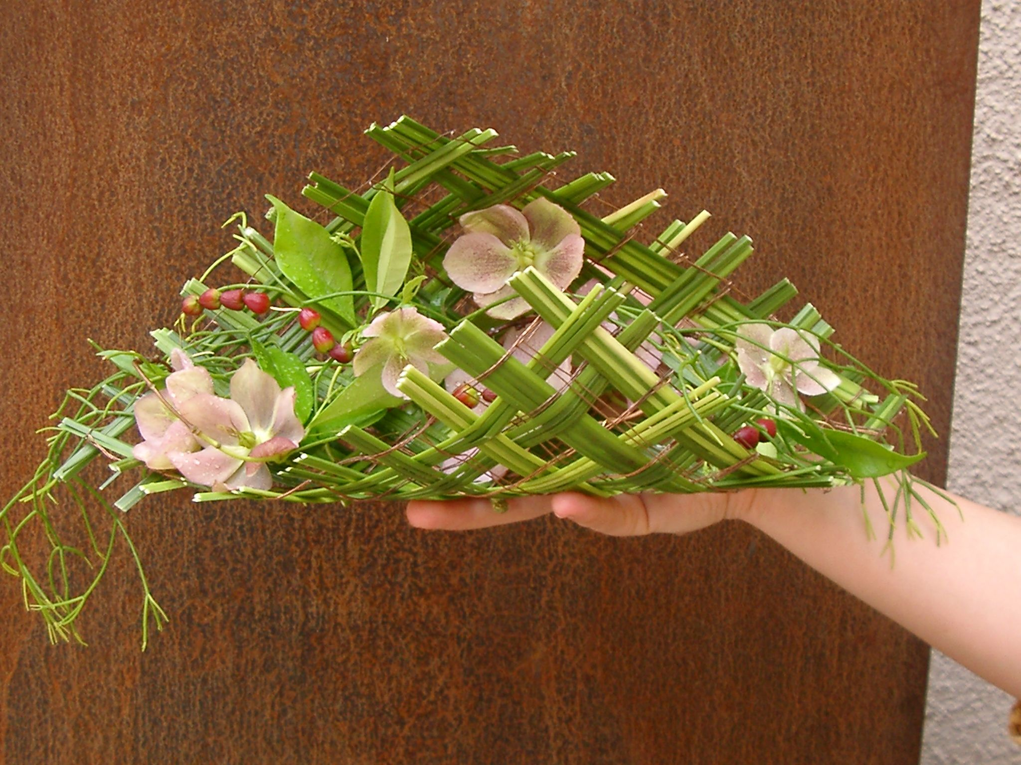 heleborus bouquet alternative kesme i ek aranjmanlar flower arrangements pinterest. Black Bedroom Furniture Sets. Home Design Ideas