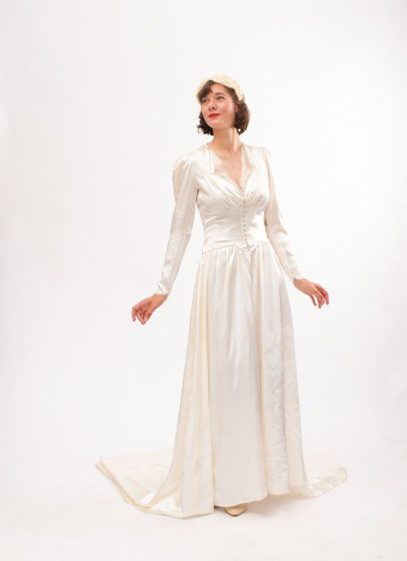 Vintage 1940s Wedding Dress - 40s Wedding Gown - Ivory Satin and ...