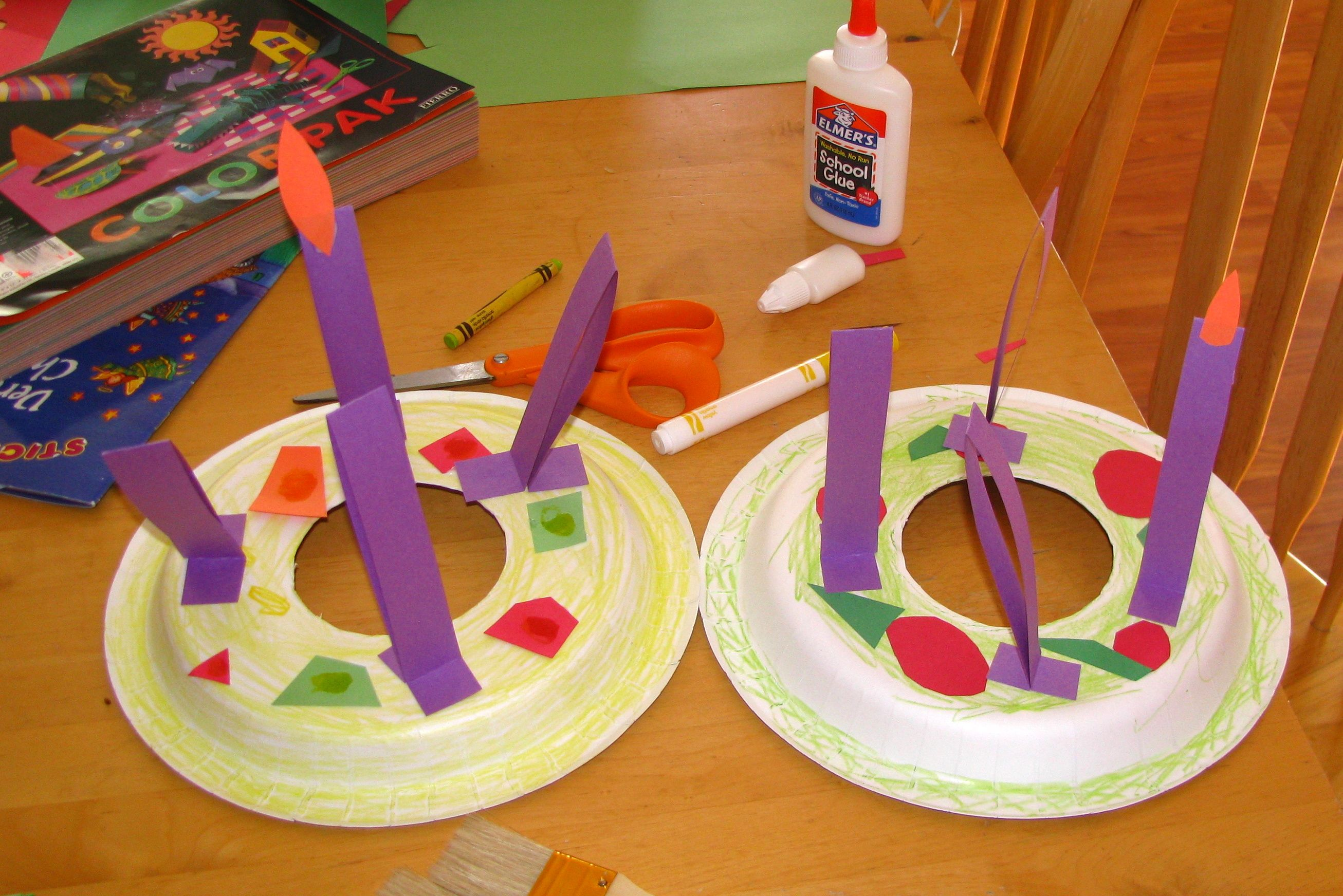 Free Kids Crafts Advent Clospin Wreath