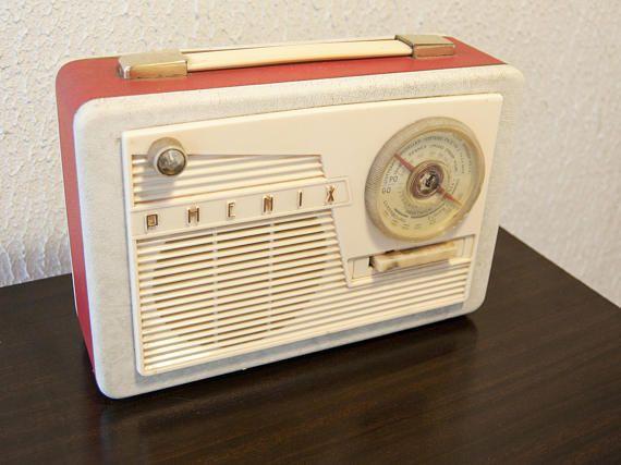 radio vintage rouge de marque fran aise phenix alsace la radio ne fonctionne pas il ny a pas. Black Bedroom Furniture Sets. Home Design Ideas