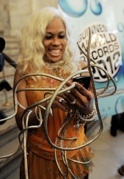 Us Woman Nails World Record For Nails Guinness World Records Cool Nail Designs World Records