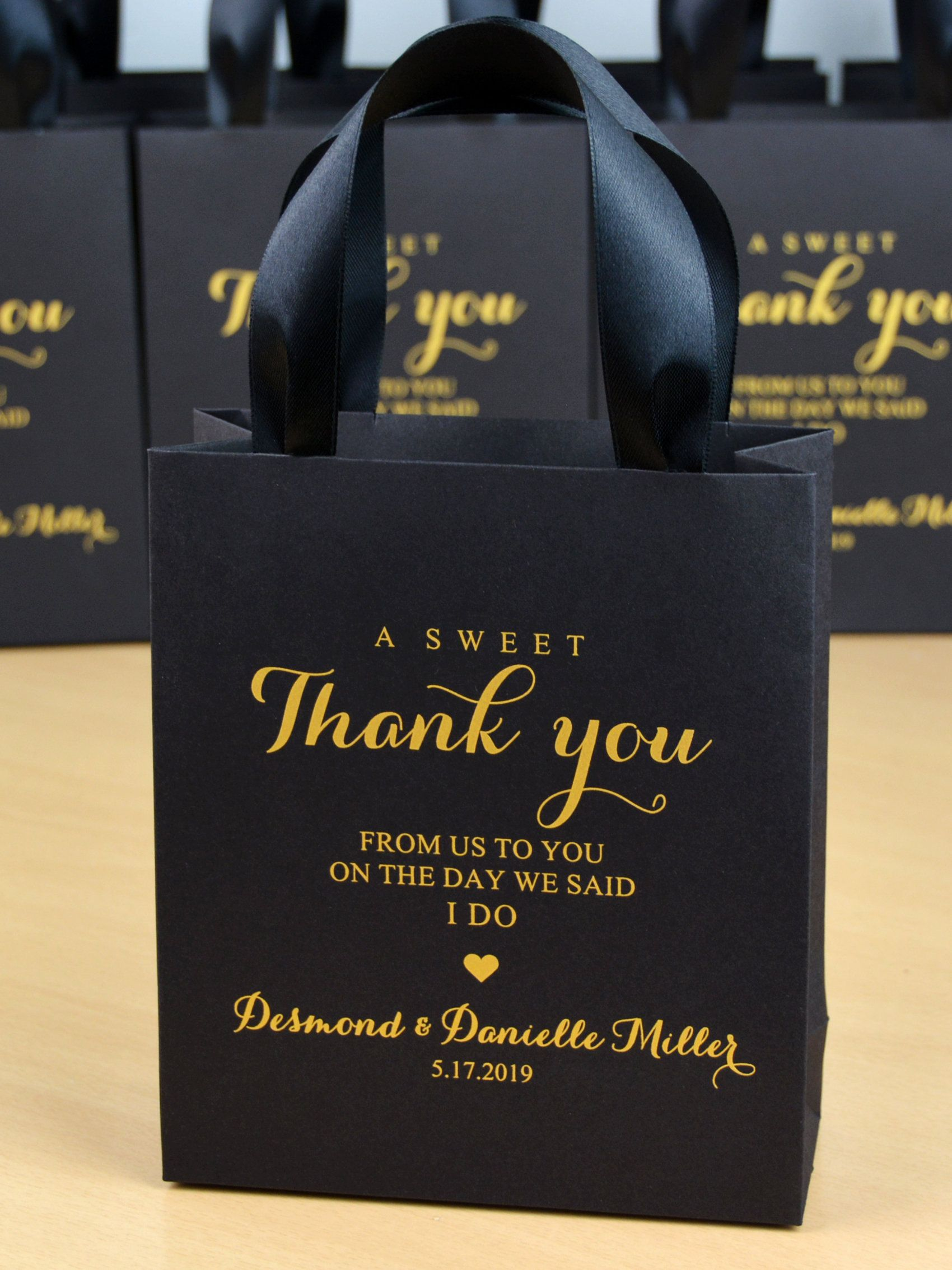 35 Black and Gold Wedding Favor Bags with satin ribbon handles & custom names, Elegant Personalized Wedding Party gift bags for guests #personalizedwedding