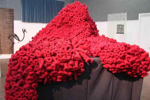 'Red reef alert' is Elizabeth Roet's arge knitted soft sculpture at Bermagui's sculpture on the edge 2010 EDGY ART exhibition