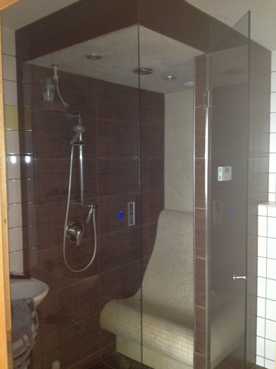 SPA design: Steam room shower / Tepidarium with infrared-heated seat ...