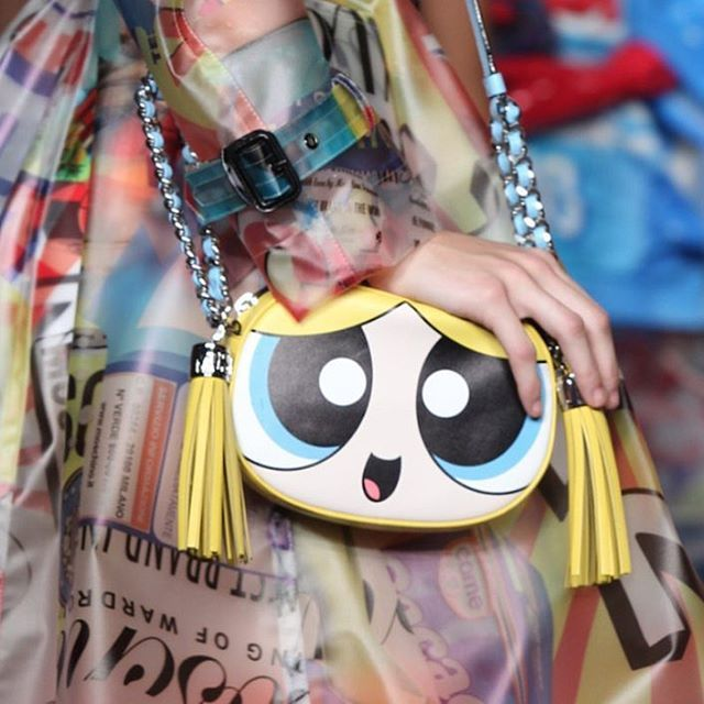 The most unbelievable @moschino @itsjeremyscott Collection just came out! And this POWER PUFF bag Is EVERYTHING!