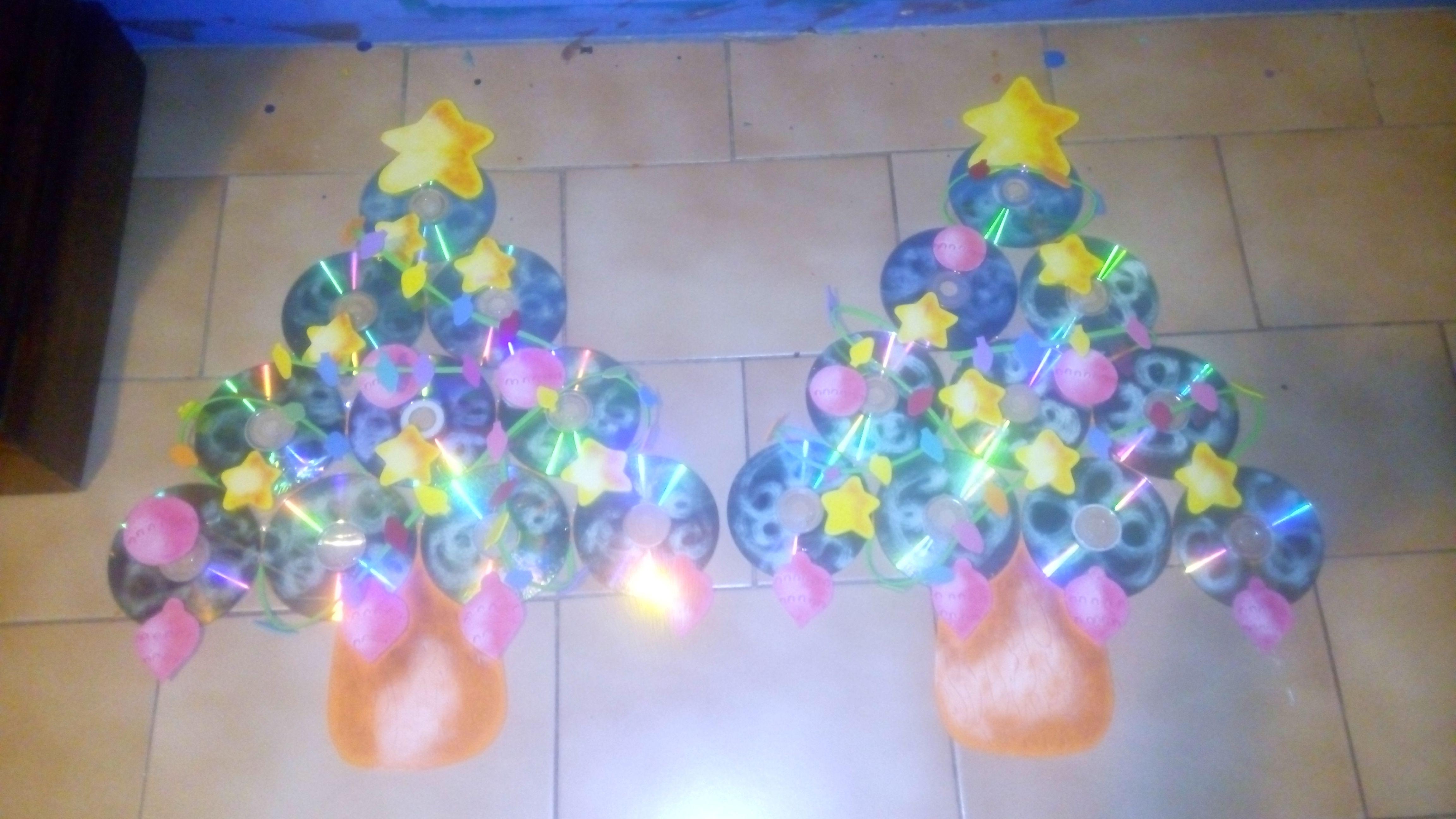 Arbolitos de navidad con cd y foami o goma eva - Decoracion navidad goma eva ...