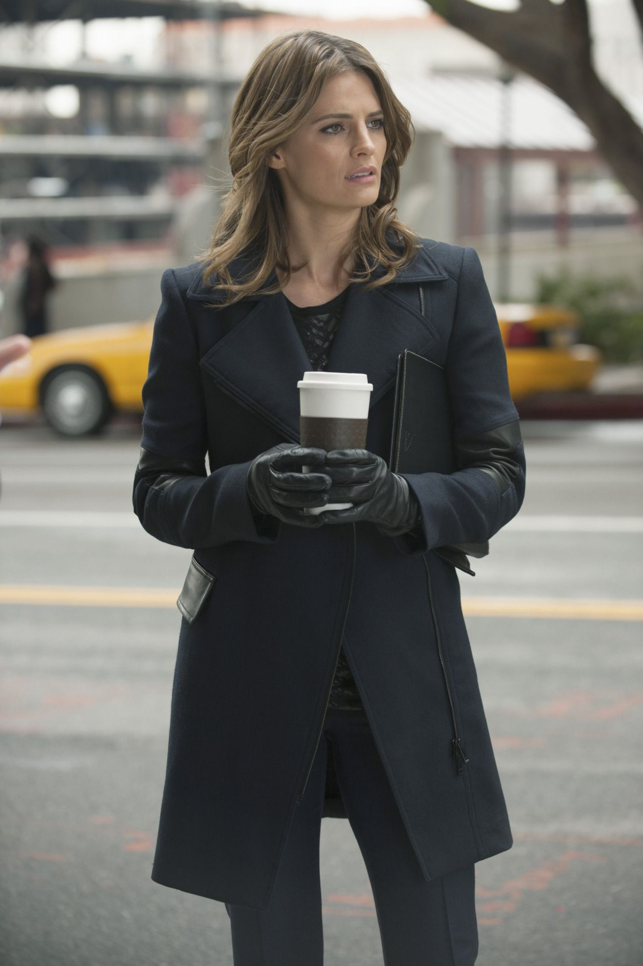 Black leather gloves meaning - Celebrities In Gloves Stana Katic Wearing Leather Gloves In Castle