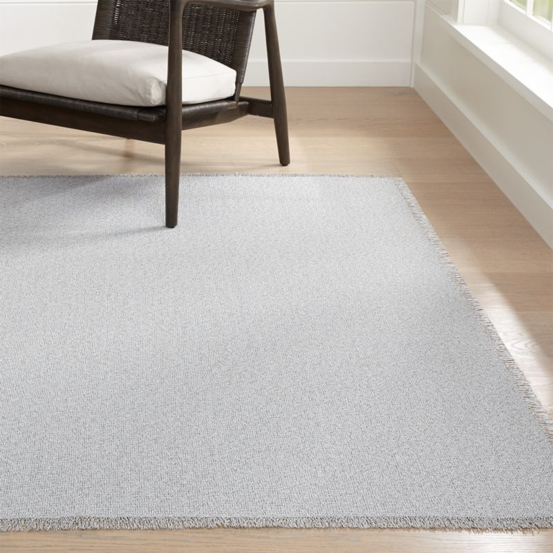 Shop Chilewich Market Fringe Quartz Indoor Outdoor Mat Handcrafted In Louisiana And Finished In Georgia Th Outdoor Mat Indoor Outdoor Carpet Outdoor Carpet