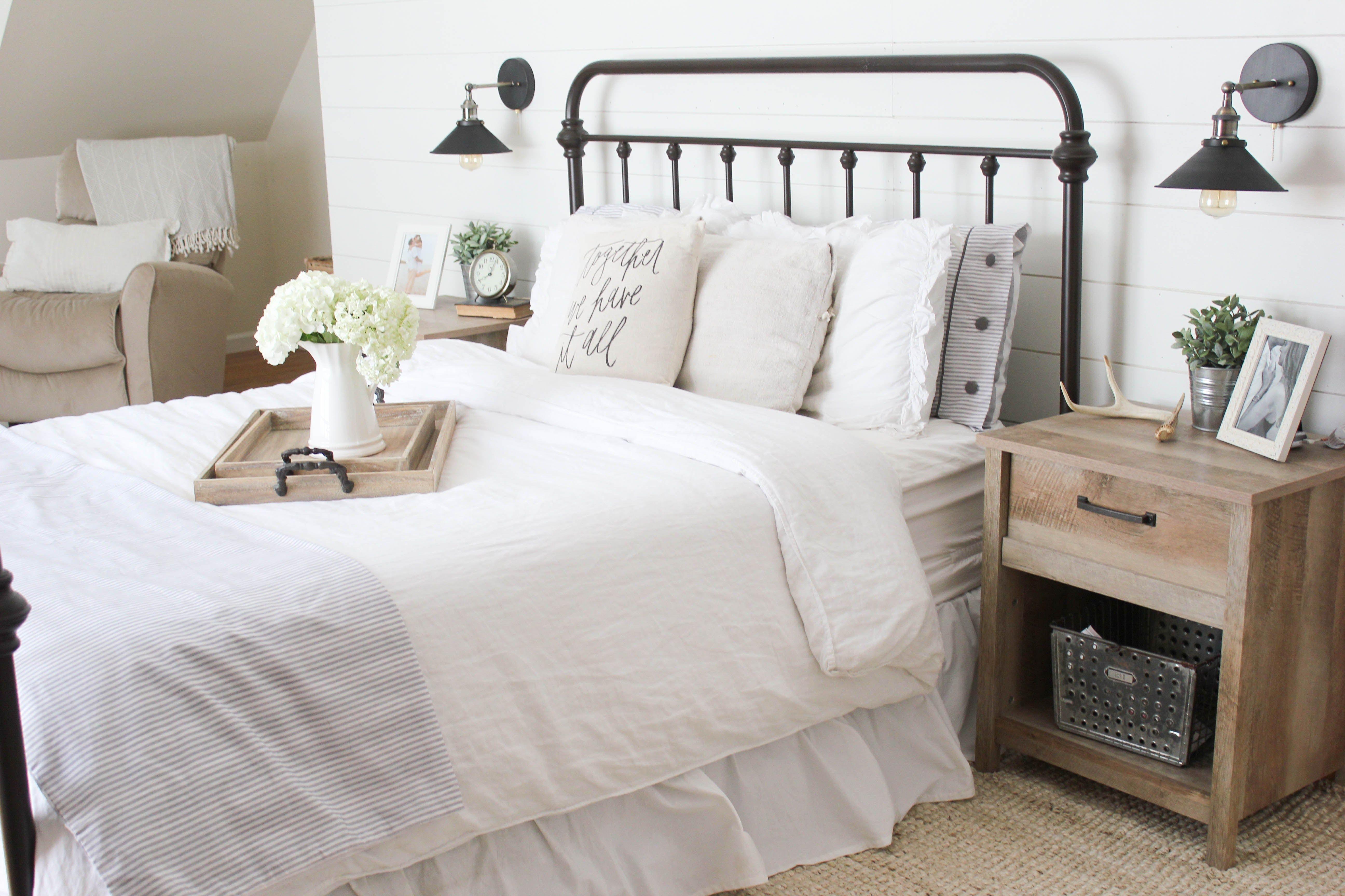 Home Farmhouse Master Bedroom Sypialnia W Piwnicy