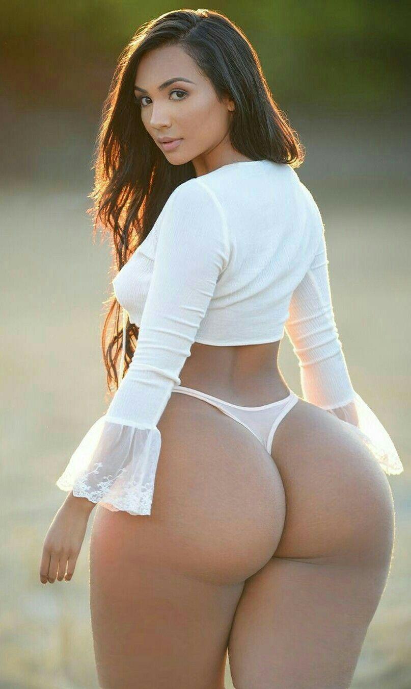 Nude exotic women