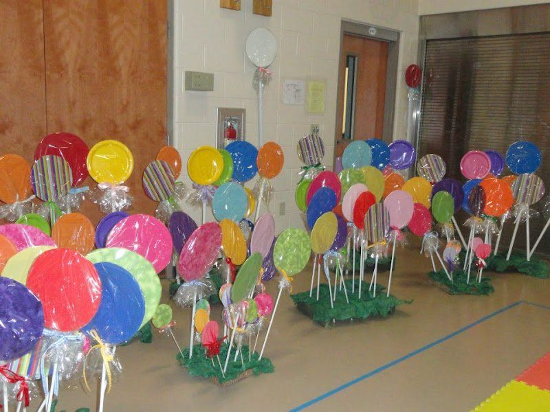 giant lollipop party decorations #candylanddecorations