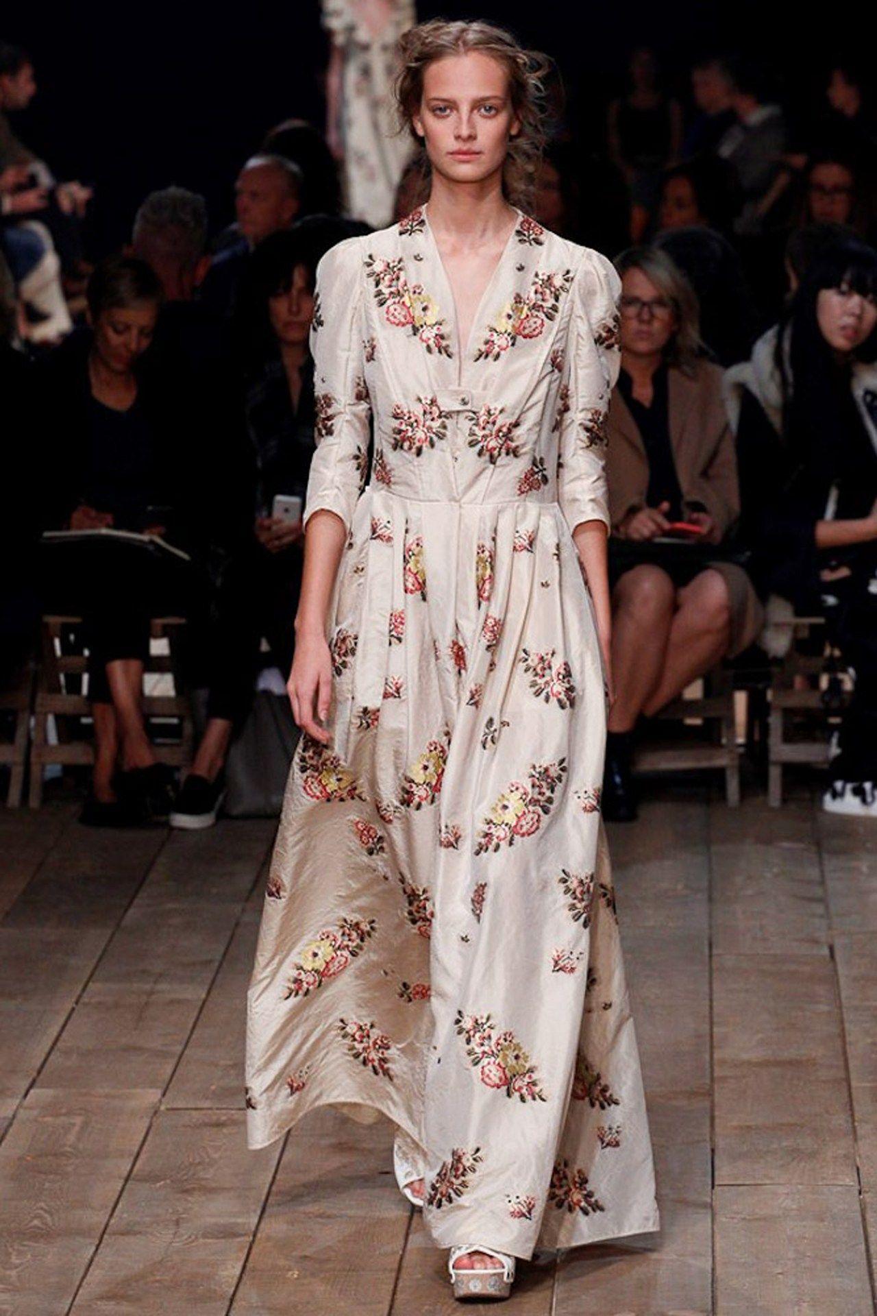 Alexander McQueen - Spring/Summer 2016 Ready-To-Wear - PFW (Vogue.co.uk)