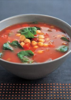 Pepper, spinach and chickpea soup