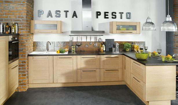 conforama cuisine bois blanchi ardoise noire et briques inspiration bistrot cucina. Black Bedroom Furniture Sets. Home Design Ideas