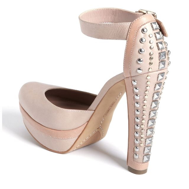 I looove Vince Camuto shoes