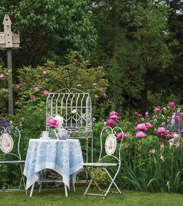 Garden House Beautiful Magazine Inspires Garden Lovers