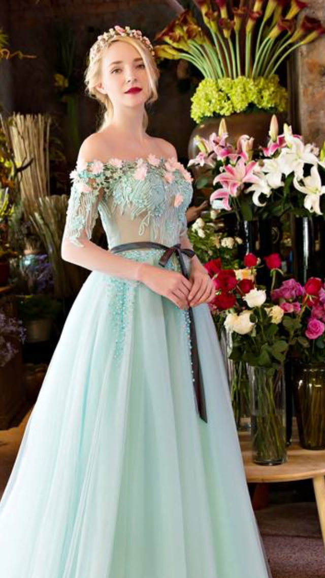 Pin by 🌻ARIEL🌻 on PROM | Pinterest | Ball gown dresses, Disney ...