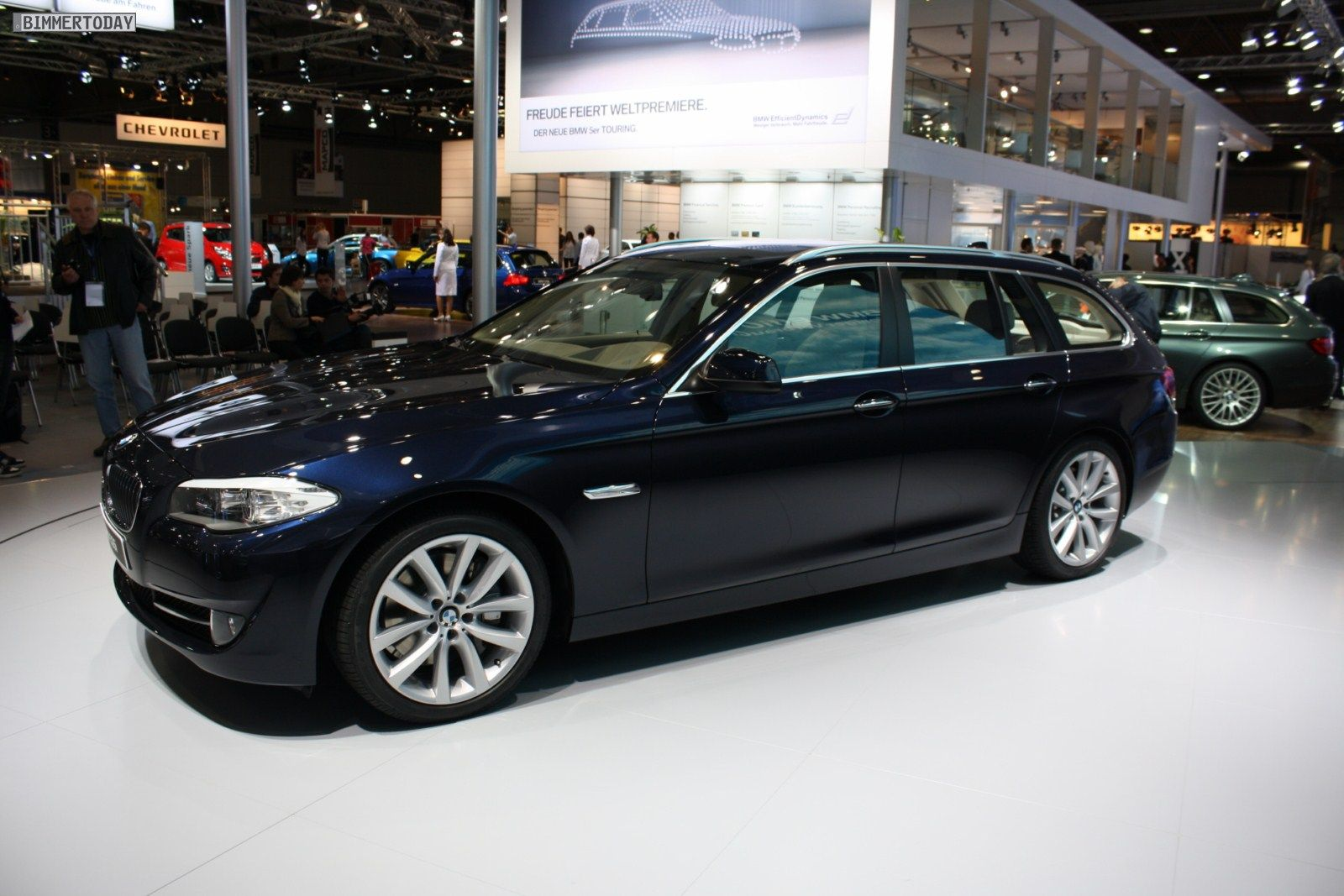 Bmw 5 Touring Imperial Blue Google Search With Images Bmw