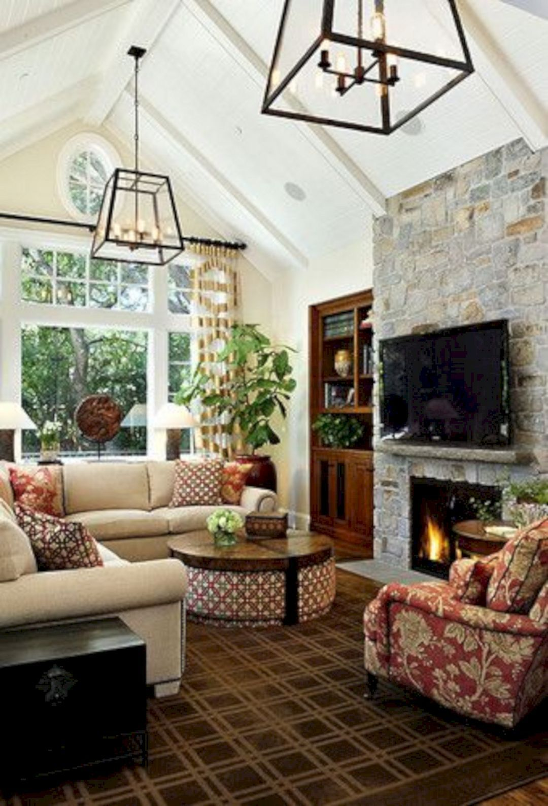 22 Gorgeous Small Keeping Room with Fireplace Ideas For More Fun Live #vaultedceilingdecor
