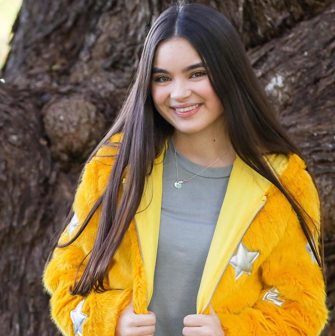 Pin By Paigetaylor On Landry Bender Landry Bender Best Friends Whenever Female Actresses